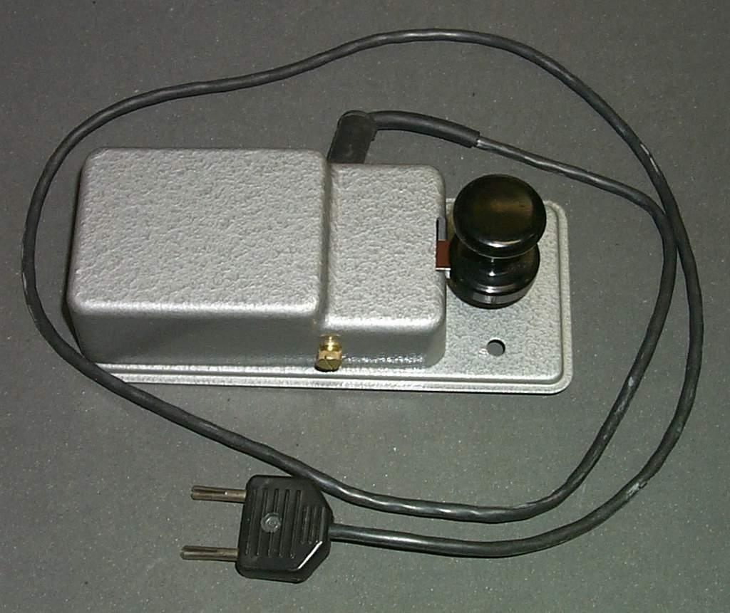 https://www.ebayhickoks.com/images/eBay/eBay_De/=TGM-1=/Uj_szurke_MORSE_billentyu_zsinorral/P0045063.JPG