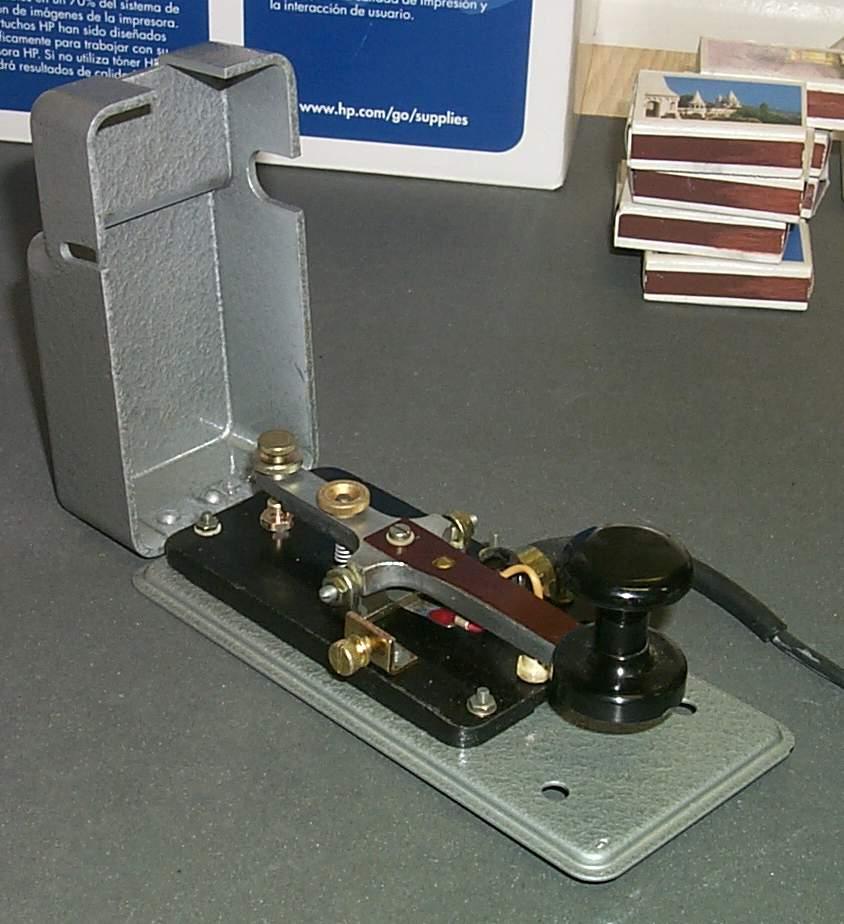 https://www.ebayhickoks.com/images/eBay/eBay_De/=TGM-1=/Uj_szurke_MORSE_billentyu_zsinorral/P0045070.JPG
