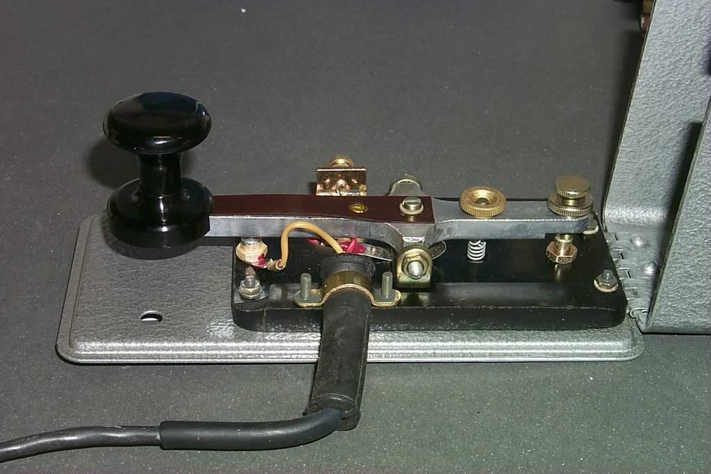 https://www.ebayhickoks.com/images/eBay/eBay_De/=TGM-1=/Uj_szurke_MORSE_billentyu_zsinorral/P0045080.JPG